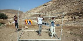 تمهيدا للاستلاء عليها.. مستوطنون ينصبون خيمة على أراضي دير جرير