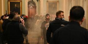 فيديو.. أنصار ترامب يقتحمون مبنى الكونغرس وتعليق جلسة المجلس
