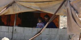 الاحتلال يخطر بهدم مجلس قروي وعيادة صحية وازالة 12 خيمة بالخليل
