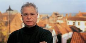 وفاة الروائي والشاعر الفلسطيني مريد البرغوثي