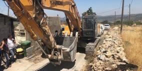 الاحتلال يهدم منزلا وعريشين زراعيين جنوب بيت لحم