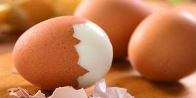 طريقة سهلة لتقشير البيض المسلوق
