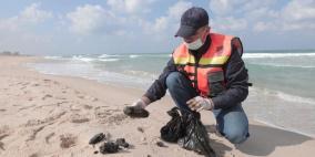 رصد كميات بسيطة من التسرب النفطي قبالة بحر غزة