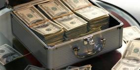 الدولار يتعثر