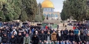 """الاحتلال يسمح بدخول 10 آلاف فلسطيني """"مُطعم"""" للصلاة في الأقصى"""