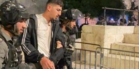 إصابة 4 مواطنين خلال قمع المصلين قرب باب العامود بالقدس