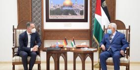 الرئيس عباس يؤكد ضرورة الوقف الفوري لاعتداءات الاحتلال