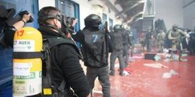 """هيئة الأسرى: قوات الاحتلال تقتحم قسم """"4"""" في سجن جلبوع"""
