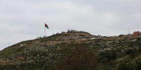مستوطنون يقتحمون جبل العالم في رام الله والاحتلال يجرف في محيطه