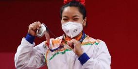 """بعد إنجازها بالأولمبياد.. هدايا غريبة تنهال على """"بطلة هندية"""""""