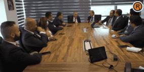 """وزير الاتصالات اسحق سدر يزور مقر شركة """"BCI"""" في رام الله"""