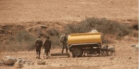 الاحتلال يفرض غرامة مالية على مواطن مقابل استرجاع صهريج مياه