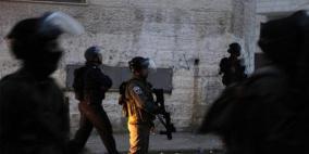 الاحتلال يعتقل شابين من العيسوية عقب اندلاع مواجهات