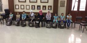 المؤسسة المصرفية الفلسطينية تزور الاتحاد النسائي العربي وتعايد الفتيات اليتيمات