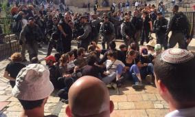 القدس: قوات الاحتلال تقمع متضامنين وتعتقل مقدسيين