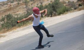 مواجهات على حاجز عطارة شمال رام الله نصرة للاقصى