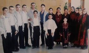 """""""فريق كورال عباد الشمس"""" الغنائي الملتزم.. من تاريخ فلسطين الفني"""