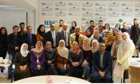 """مدير عام """"الإسلامي العربي"""" يلقي محاضرة في جامعة بيرزيت"""