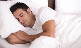 دراسة تحذر من خطر النوم الطويل