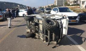 دير حنا: إصابة خطيرة بانقلاب مركبة