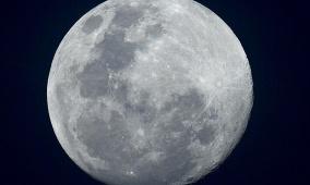 موعد مشاهدة قمر الثلج لعام 2021 وشروط رؤيته