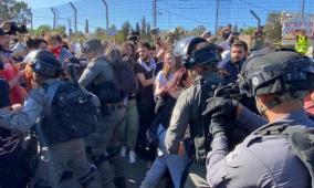 الاحتلال يعتقل مواطنين من الشيخ جراح أحدهما مصاب