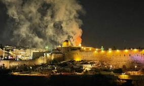 تجدد المواجهات.. 334 إصابة في القدس واندلاع حريق بالأقصى