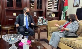 الأردن وفلسطين توقعان اتفاقية لتعزيز التعاون في المجال الصحي