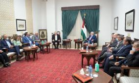 الرئيس يعقّب على القرار الإسرائيلي ضد مؤسسات فلسطينية