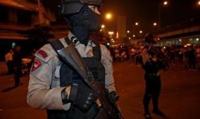 جاكارتا: مقتل ثلاثة واصابة عشرة اخرين في تفجيرين انتحاريين
