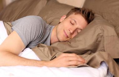 """هل هناك فائدة من """"تخزين النوم""""؟"""