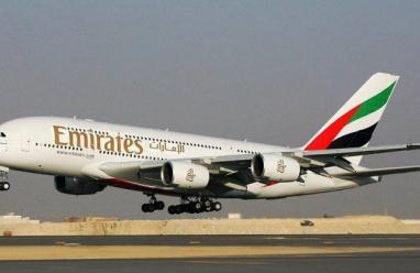 وفاة مضيفة بطيران الإمارات إثر سقوطها من باب الطوارئ