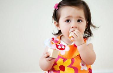 ما العمل عند ابتلاع الطفل لجسم غريب؟