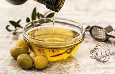ماذا تعرف عن فوائد الزيت والزيتون؟