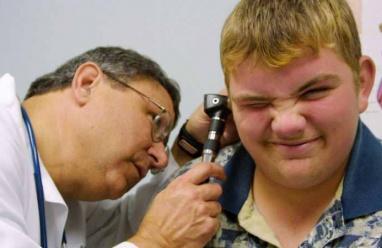 كيف تعالج انسداد الأذن