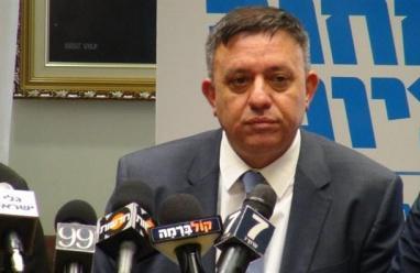 """رئيس حزب العمل الإسرائيلي: """"نحن بصدد مفاجآت قبيل الانتخابات"""""""