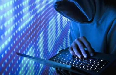 القبض على شخص بتهمة ارتكاب جريمة الكترونية لإفساد الرابطة الزوجية في طولكرم