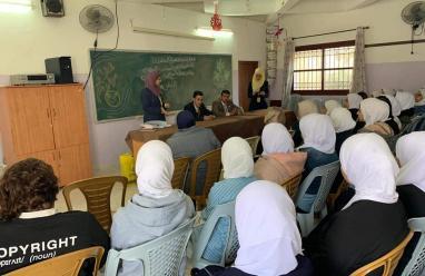 الإسلامي الفلسطيني يعقد محاضرةً حول البنوك الإسلامية في مدرسة