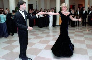 اخيرا.. فستان الأميرة ديانا يعثر على شارٍ
