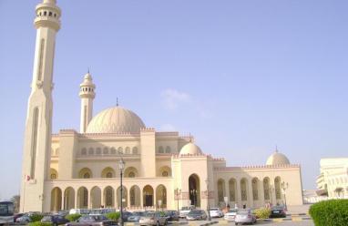 السعودية تعيد فتح المساجد ما عدا مكة