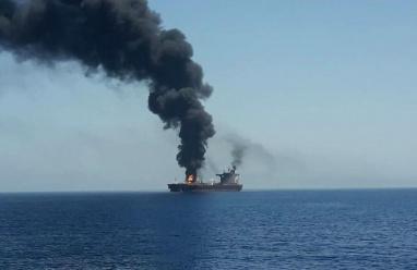 إسرائيل تتهم إيران بتفجير سفينتها في خليج عمان