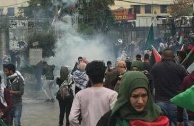 مواجهات بين متظاهرين وقوات الأمن اللبناني في محيط السفارة الامريكية