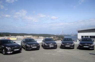 أسطول من سيارات جينيسيس  G80الفخمة في خدمة وفود منتدى الشرق الاقتصادي بروسيا