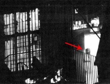 قصة الصورة الشهيرة لشبح فتاة تحترق!