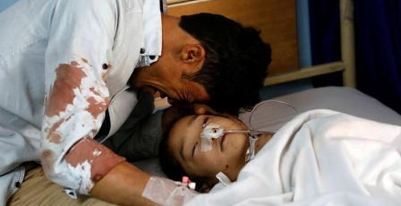 63 قتيلا في تفجيرين استهدفا مركزي اقتراع بأفغانستان