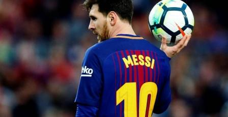 ميسي يطلب 4 لاعبين بالاسم في برشلونة