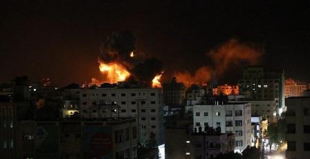 رغم اعلان وقف اطلاق النار..تجدد الغارات الإسرائيلية على القطاع
