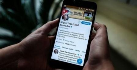 تويتر يحجب حساب كاسترو وابنته ووسائل إعلام رسمية