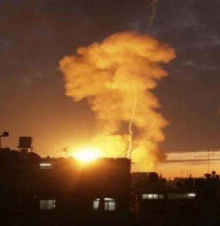 مطار عسكري سوري يتعرض لضربات صاروخية
