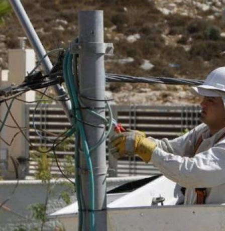 كهرباء القدس: وعود اسرائيلية بتخفيف حملة القطع ابتداء من الشهر المقبل